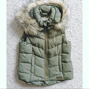 NWT H&M fur lined hooded puffer vest